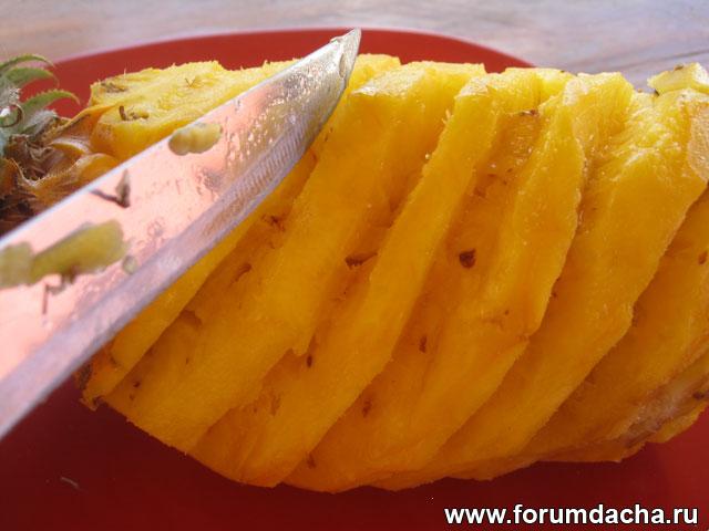 почистить ананас
