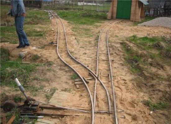 Железная дорога на даче