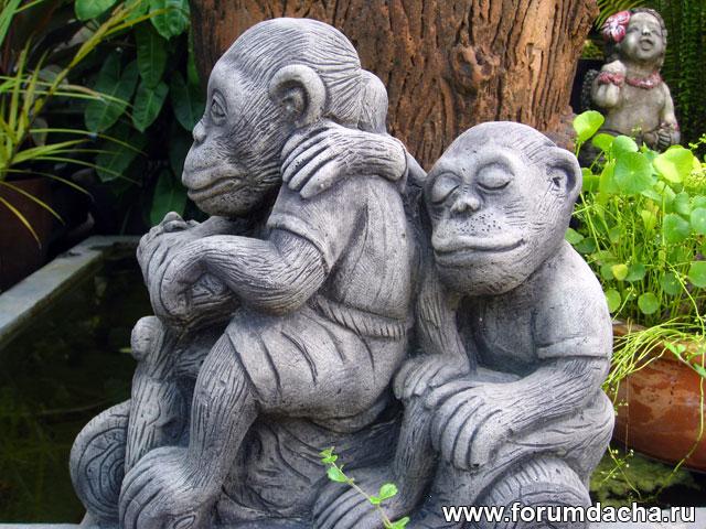статуи обезьян