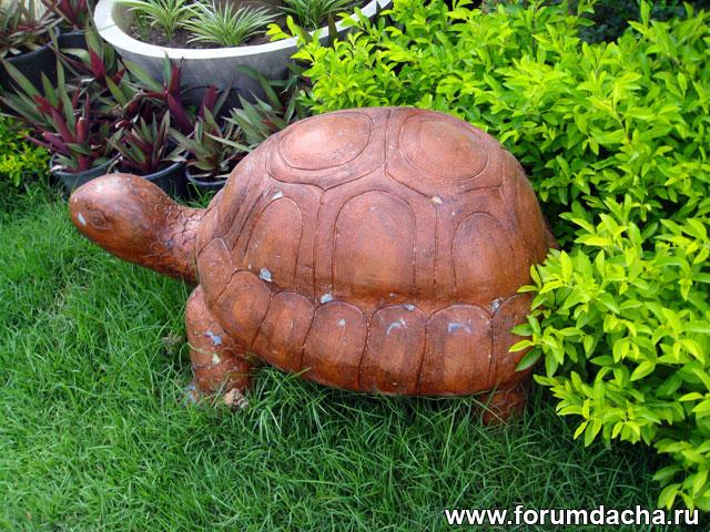 статуя черепахи, черепаха в саду